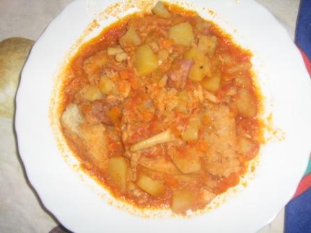 Ricette senza latte e uovo | zuppa di pesce con patate e pane bruscato